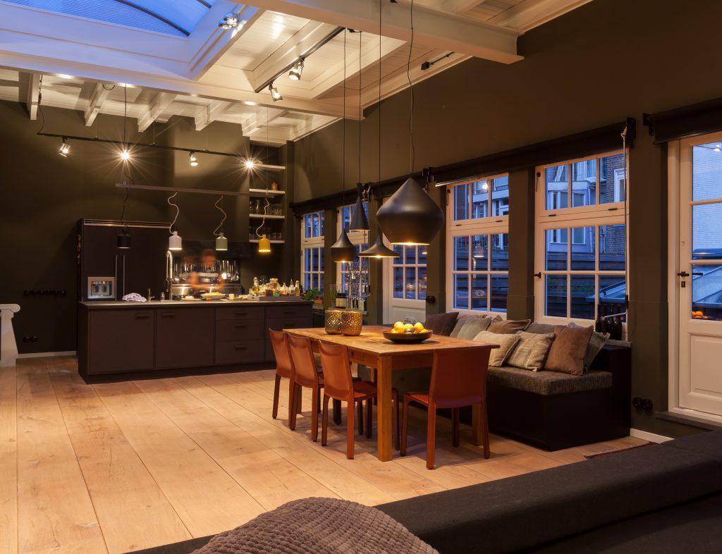 Brede houten planken massief houten vloer timber wooden floors