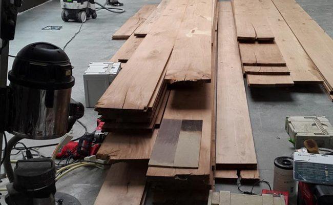 brede-houten-planken-massief-houten-vloer