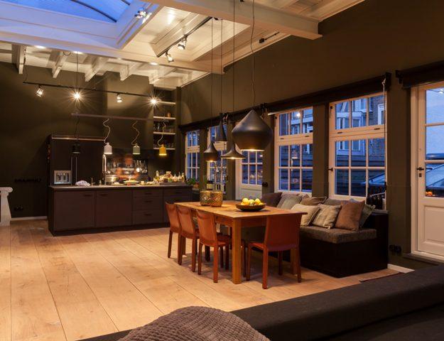 brede-houten-planken-massief-houten-vloer-6