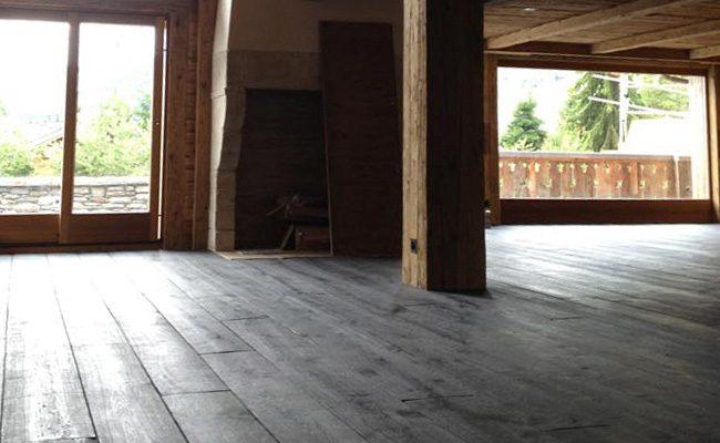 Houten Vloer Massief : Brede planken massief eiken houten vloer black oil afwerking