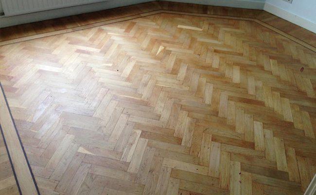 kleine-visgraat-dubbele-band-bies-houten-vloer-amsterdam-3