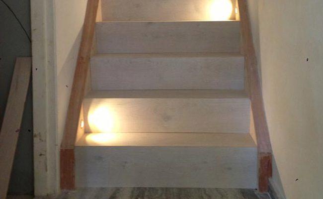 unieke-houten-trap-renovatie-met-verlichting-amsterdam-2