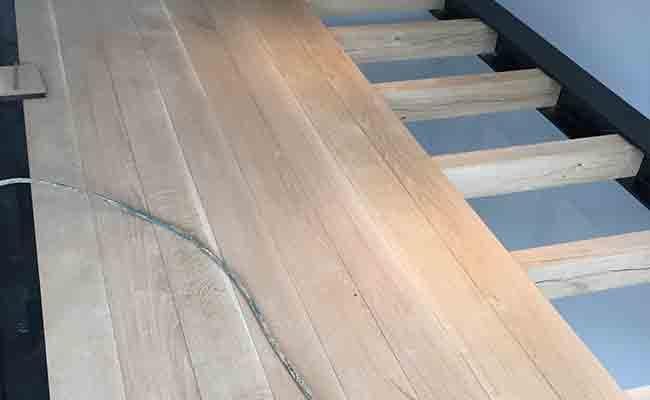 verhoogde-houten-vloer-in-kantoor-amsterdam-3