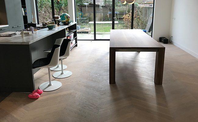 Hongaarse Punt, Eiken Houten Vloer: Amsterdam Zuid, op vloerverwarming